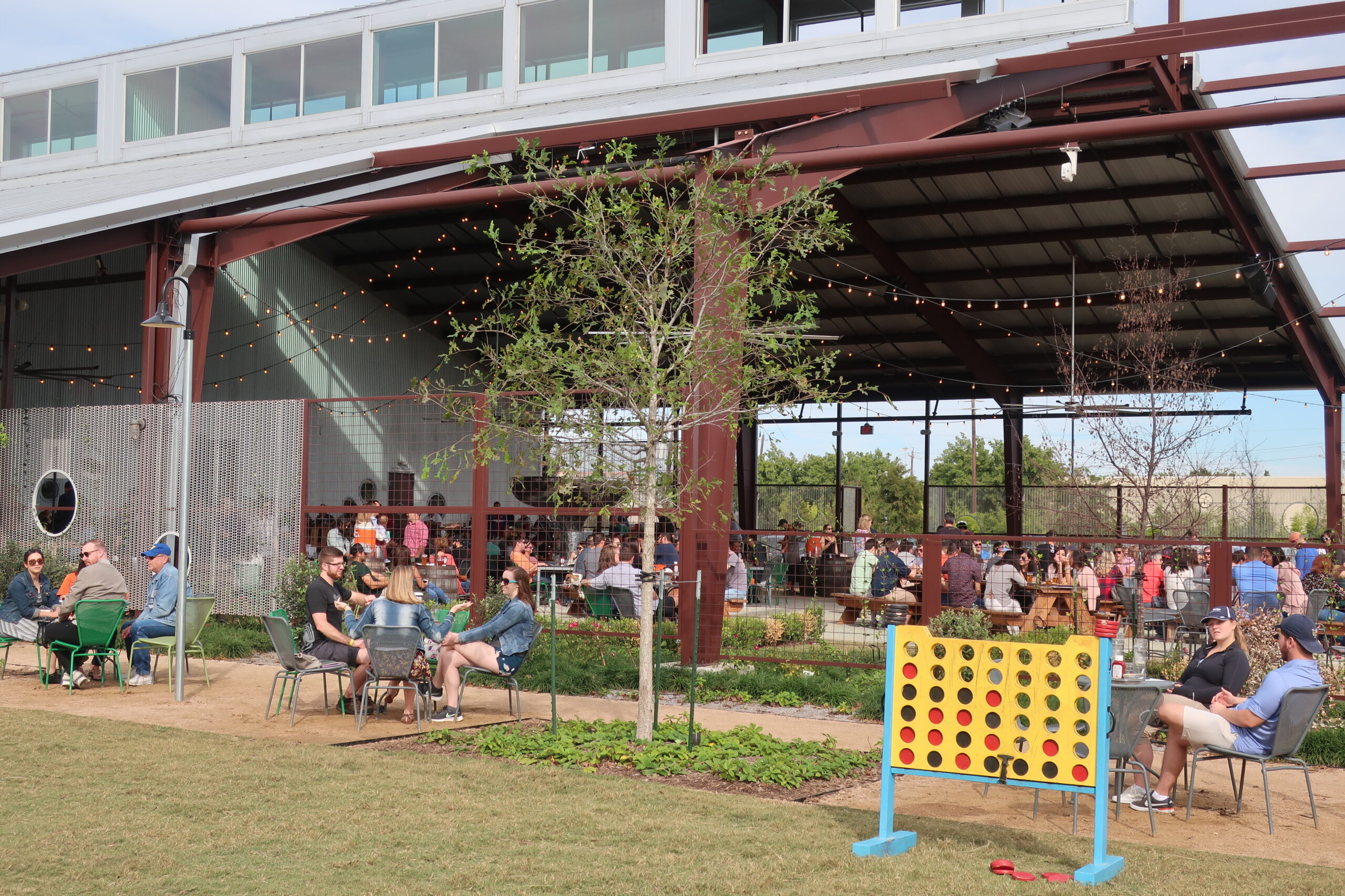 Read more about the article Houston's Best Restaurant Patios for Fall